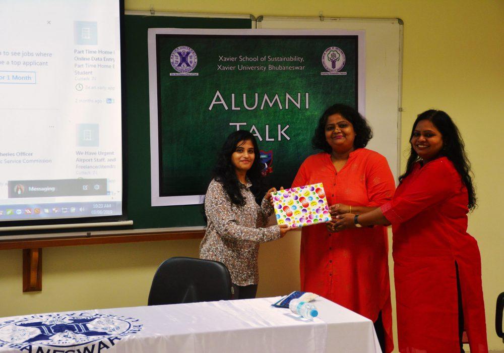 Alumni Committee slider Gift and memento